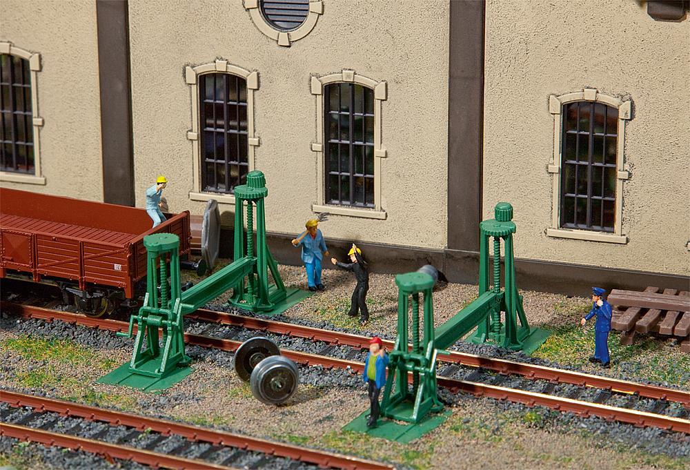 Faller H0 120278 Bausatz Spindelhebeböcke (4 Stück)