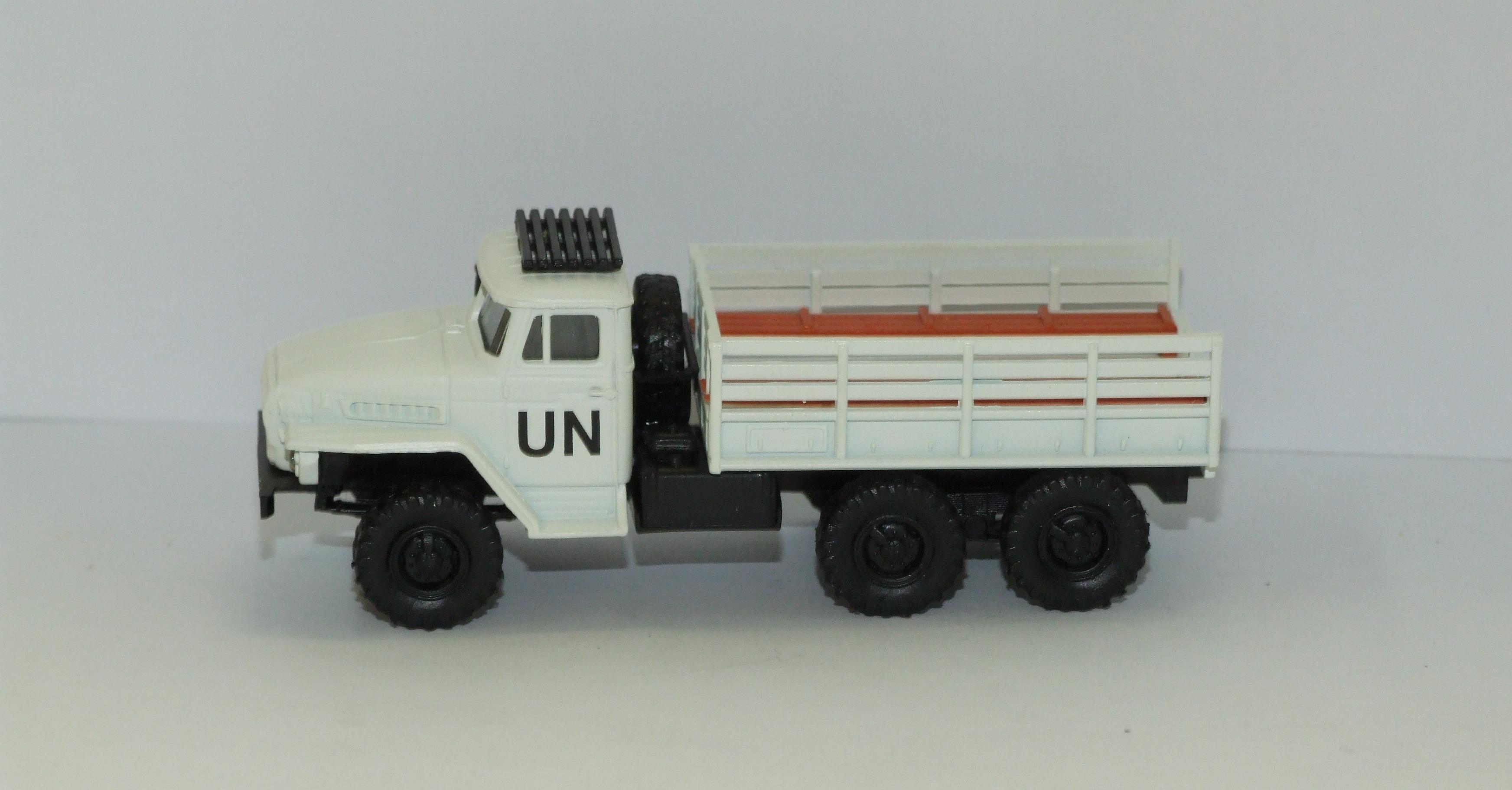 Herpa H0 1:87 Roco Minitanks 744539 Ural Mannschaftspritschen-LKW UN