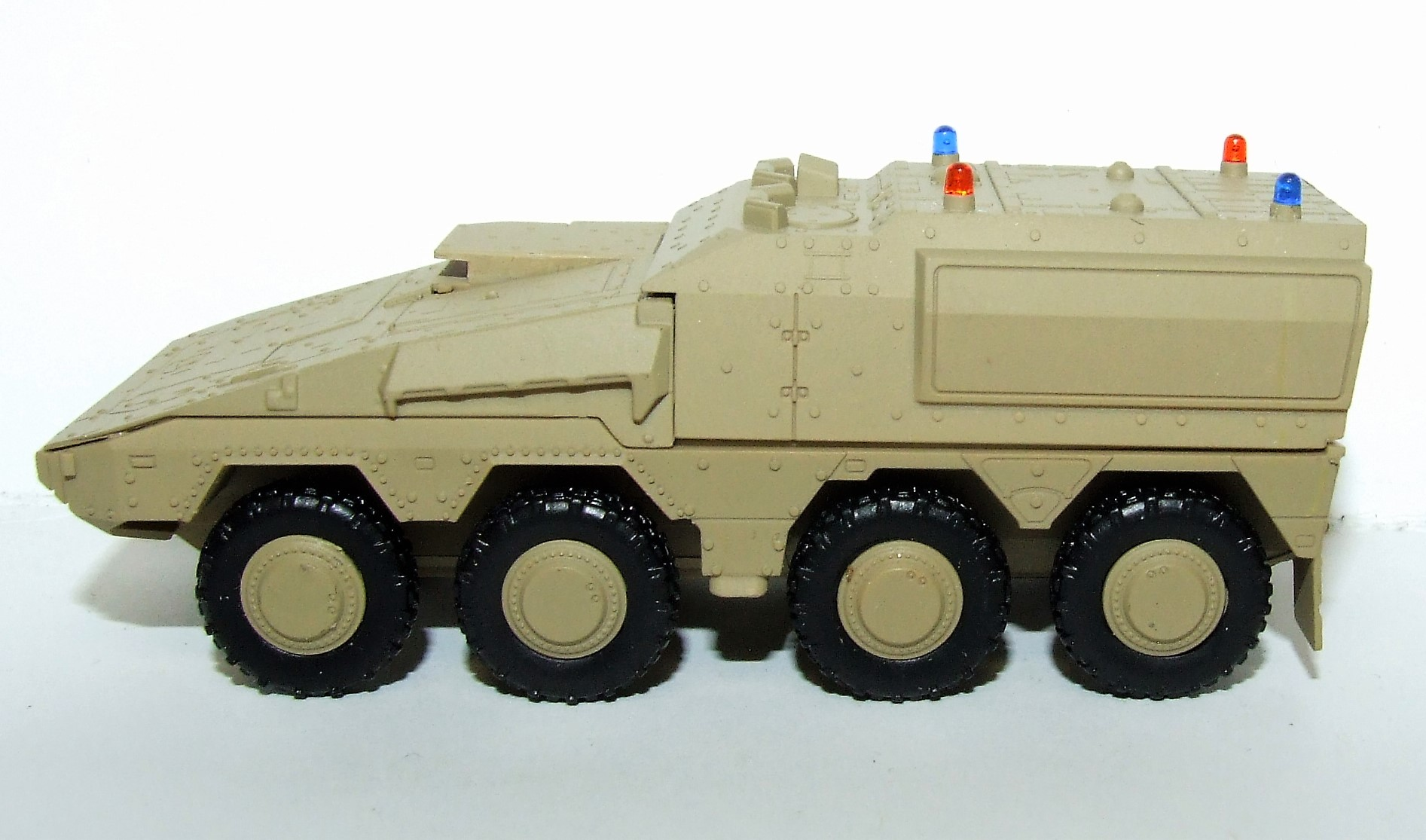 Herpa Military 745147 GTK Boxer Sanitätsfahrzeug, undekoriert (sandbeige) 1:87