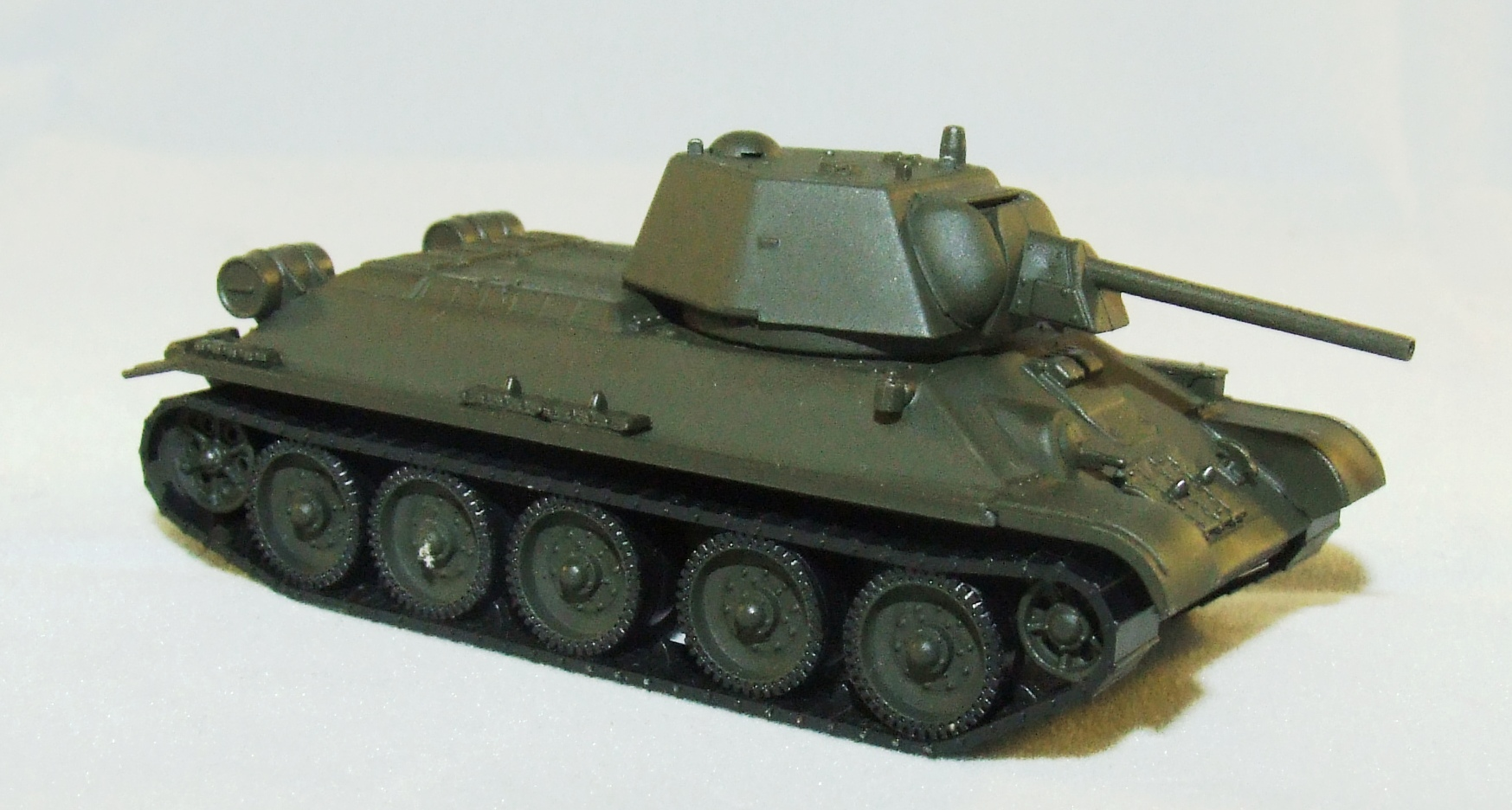745567  Herpa Military Kampfpanzer T 34-76 SU NVA WP 1:87