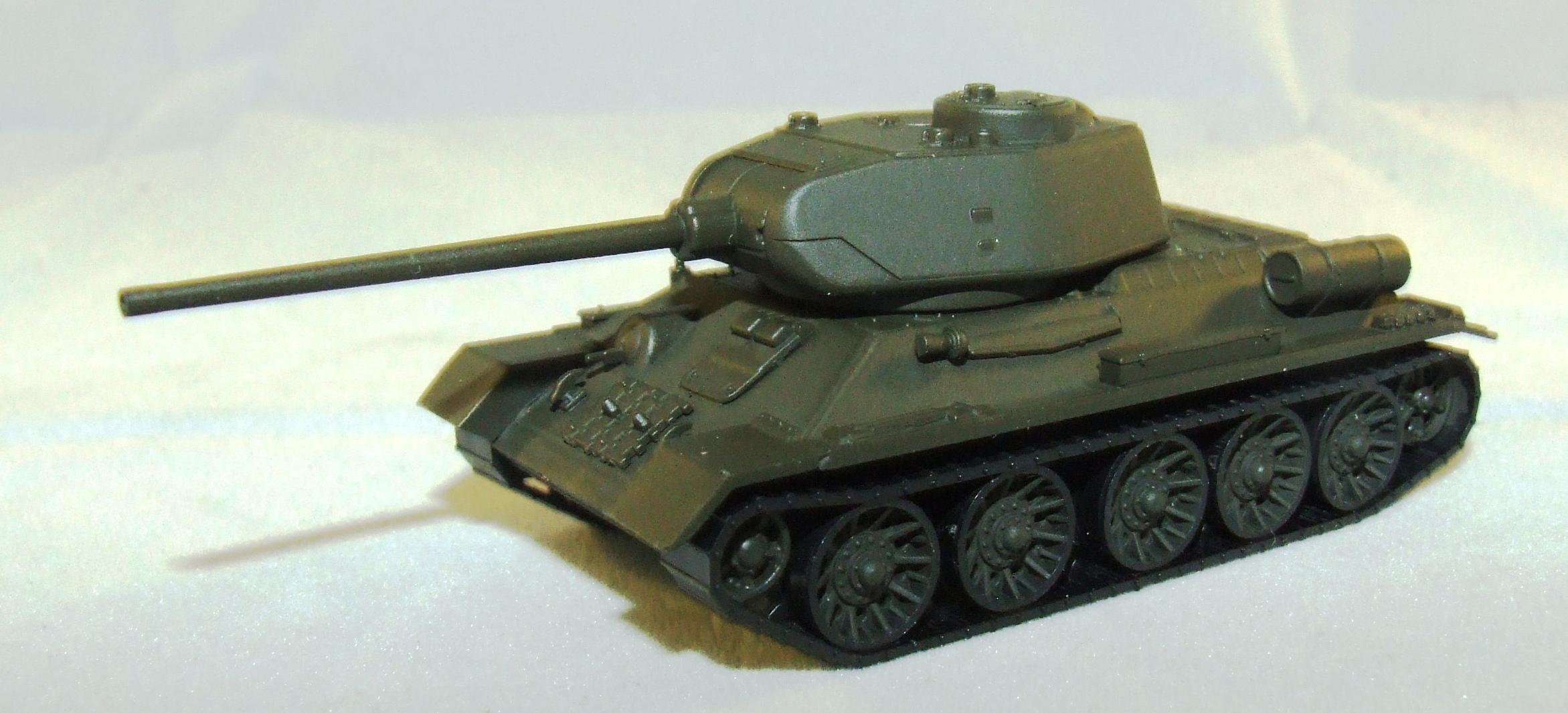 745574  Herpa Military Kampfpanzer T 34-85 SU NVA 1:87