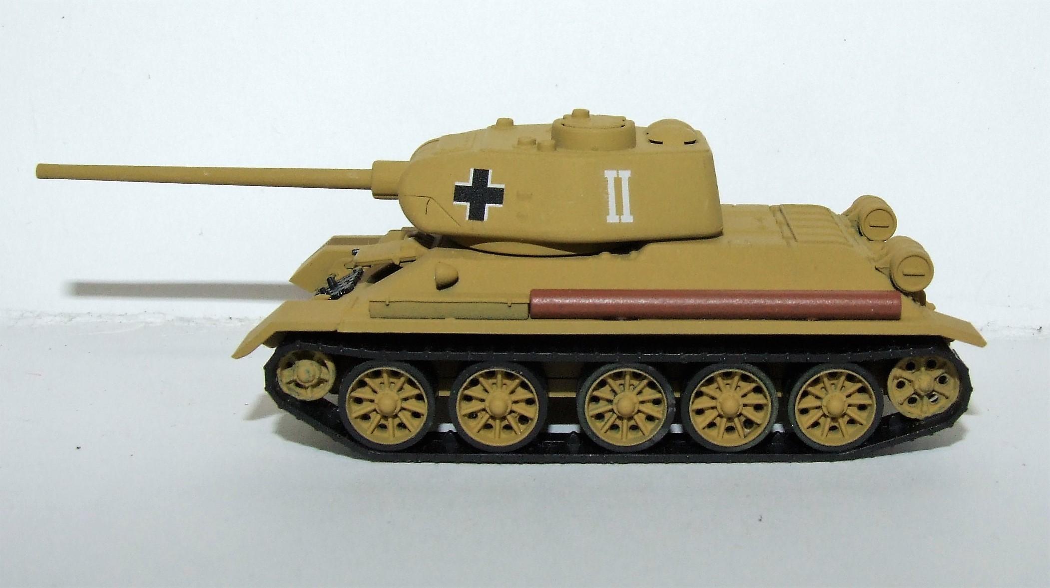 """Herpa Military 745673 Beutepanzer T-34/85 """"Schlacht um Ostpreußen"""" 1:87"""