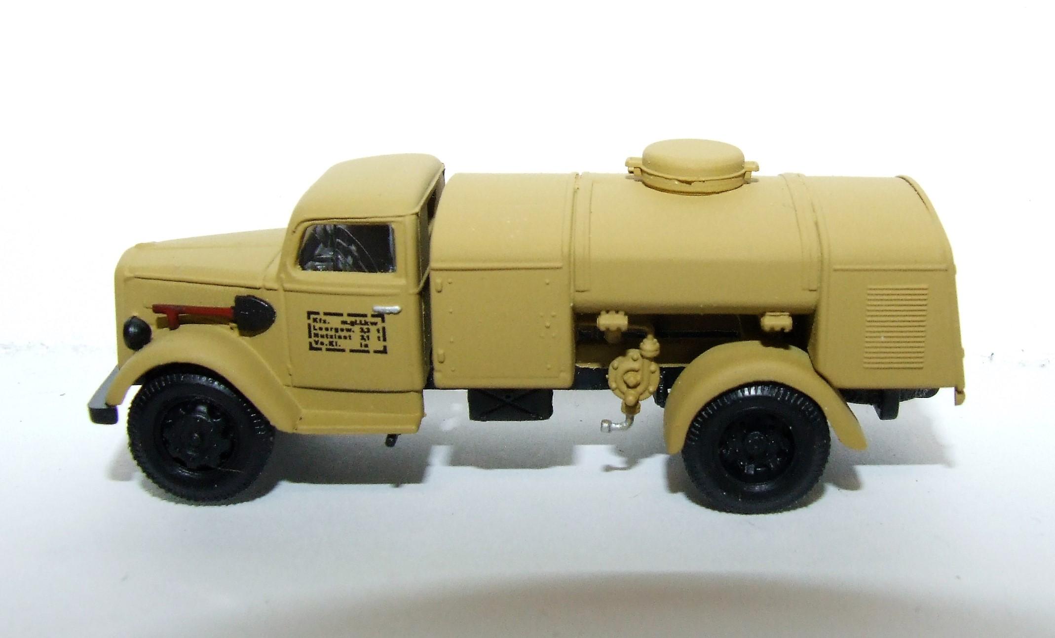 Herpa Military 745697 Opel Blitz Tankfahrzeug desert DAK 1:87