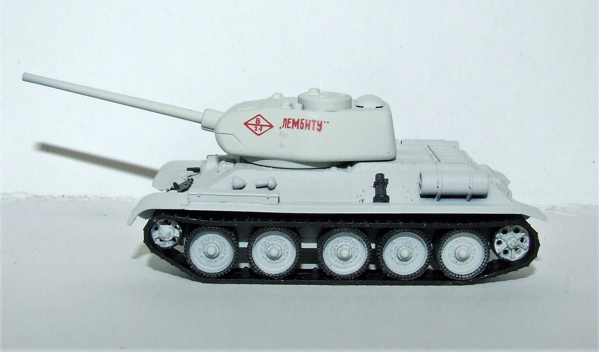 Herpa Military 745796 Kampfpanzer T-34/85 Wintertarnung 1:87