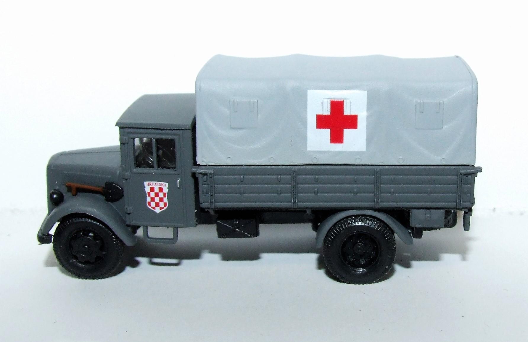 Herpa Military 746076 Opel Blitz Sanitäts-LKW 1:87