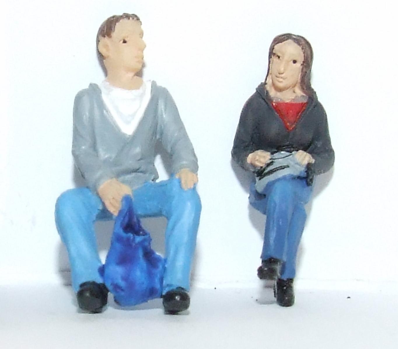 Scenecraft 47-404 Spur 0 1:43 Figuren sitzende Reisende