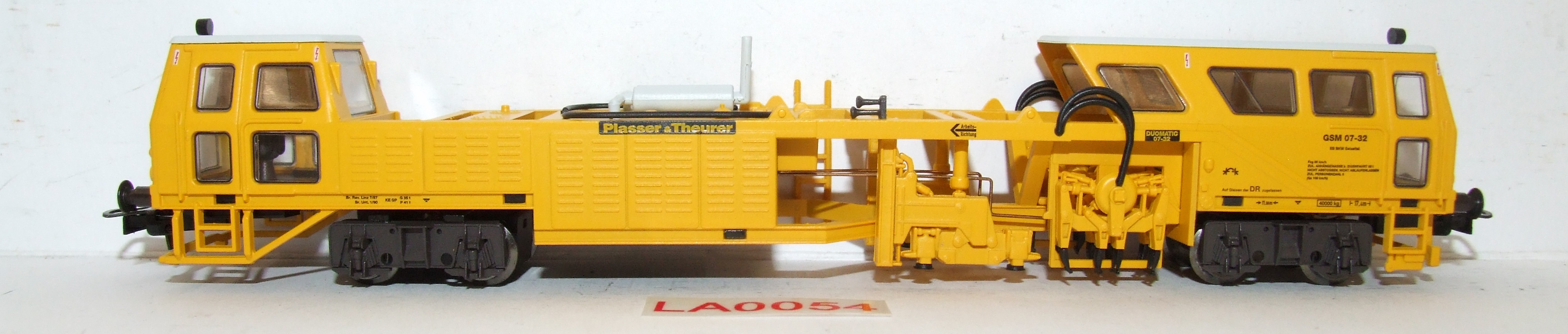 LA0054 Liliput H0 L 136112 Motorisierte Gleisstopfmaschine DR in OVP