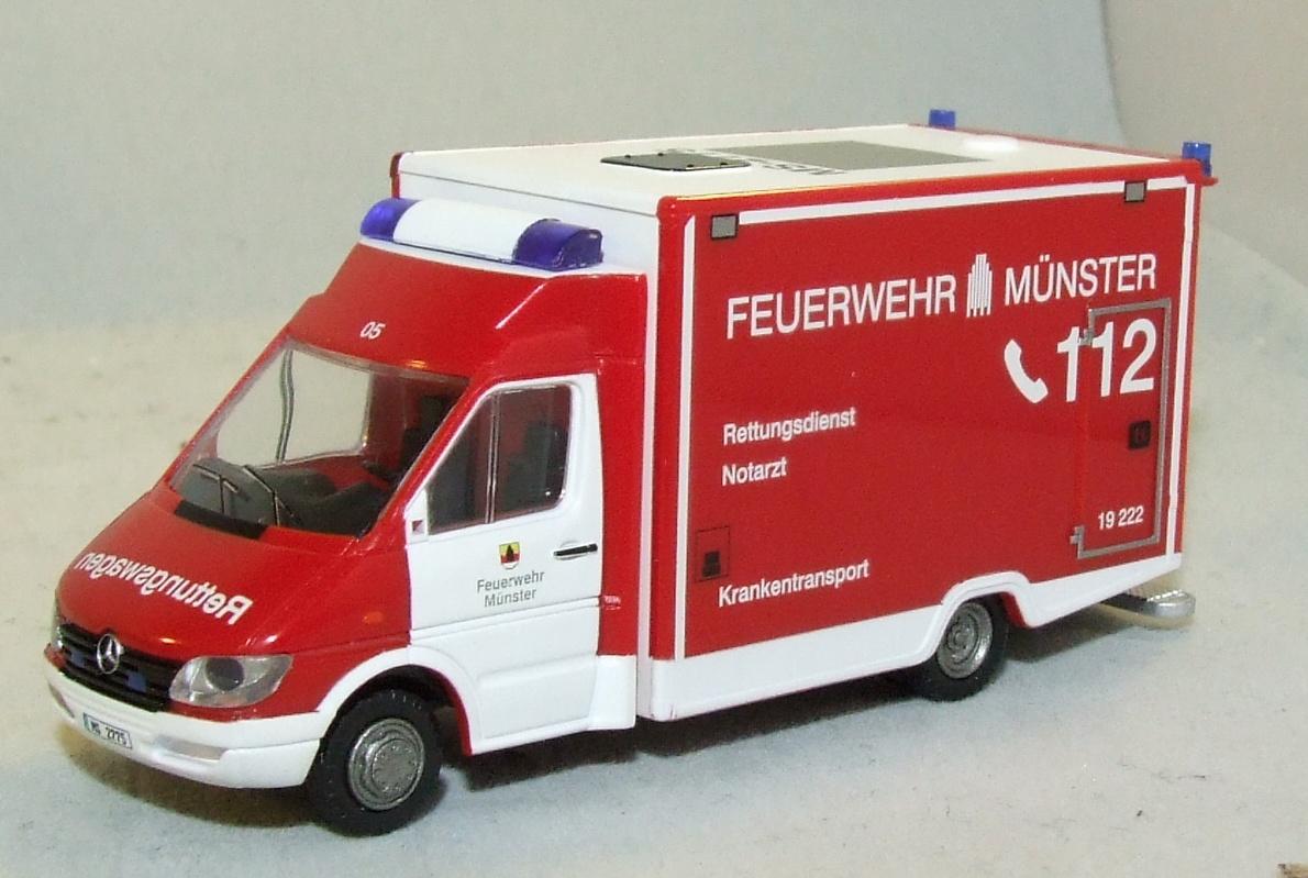 Rietze 61573 WAS MB Sprinter RTW Feuerwehr Münster in 1:87