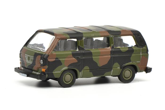 Schuco 452636600 VW T3 8 Sitze Bus Bw  flecktarn1:87 Metall